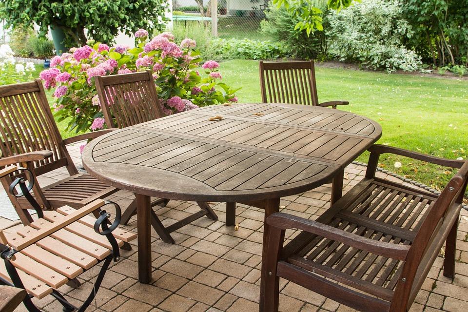 Jaký nábytek pořídit na zahradu?
