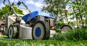 Péče o trávník – jak na to na podzim?
