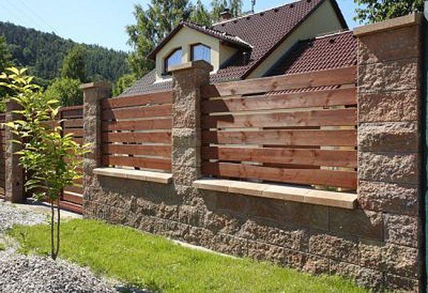 Co vše je třeba při stavbě plotu?